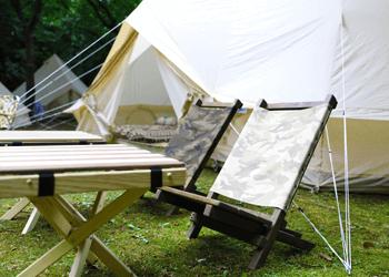 インストラクターがキャンプ道具一式をご用意。テント設営が苦手な方でも、気軽にキャンプを楽しめます。
